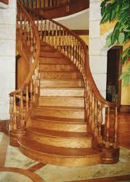Древесина для изготовления деревянной лестницы.
