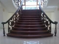 Элитные лестницы для частного дома.