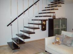 лестница на больцах - необычное решение