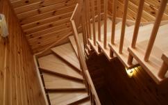 П-образные лестницы — виды и дизайн